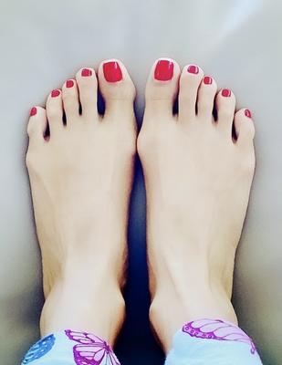 classy nails, beauty app, pedicures near me